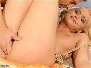 sizzling Kathia Nobili gets her muff packed with trunk