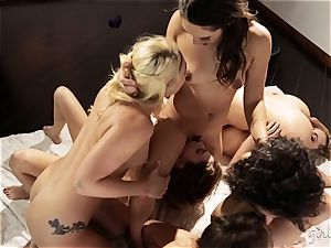 Bree Daniels and her mates have a sapphic romp