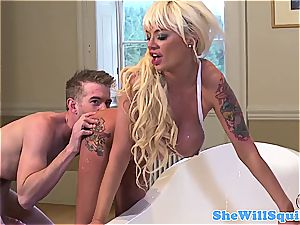 molten british honey has superb boobs and likes to get drilled