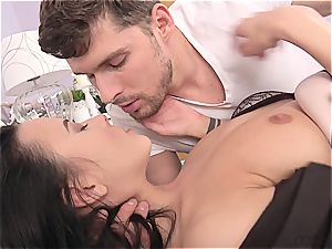handsome dark haired with congenital melons loves the afternoon penetrate