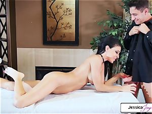 Jessica Jaymes takes Brad's yam-sized schlong and gets nailed