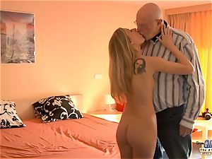 youthfull assistant fucks old guy manager smashes uber-sexy gal