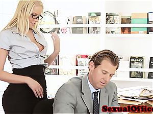 bombshell assistant takes her boss' stiffy for a ride