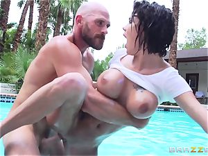 buxomy Peta Jensen - filthy hook-up by the pool