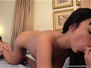 Anissa Has Her spouse suck manmeat While She boinks
