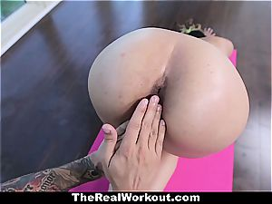 young Latina vagina opened up out during exercise