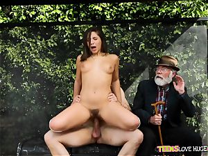 funny situation of twat tucked daughter-in-law and her grandpa sees at bus stop - Abella Danger and Bill Bailey