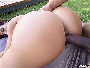 Victoria Banxxx smashed by a rock rock-hard pink cigar