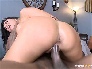 Romi Rain pummels her hot black trainer in front of her guy