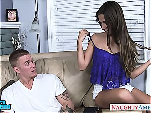 brown-haired babe in blue top Cassidy Klein gets fucked