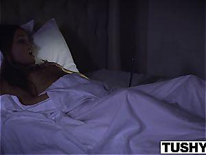 TUSHY wifey Mystica Jade attempts 3some