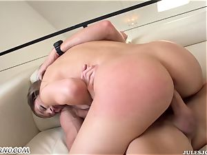 Skillful Johnny Sins bang wondrous girl's hairy fuckbox