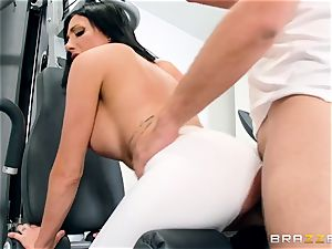 sport trainer romps his greatest friend's huge-chested wifey Jaclyn Taylor during teaching
