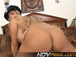 blondie Cop Getting Her cootchie hammered