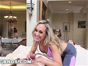 nubile Gets glad ending from cougar Brandi enjoy