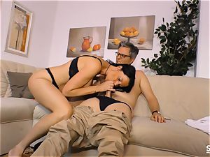SEXTAPE GERMANY - Siliconed mature newbie gets torn up