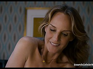 Heavenly Helen Hunt has a shaven coochie for viewing