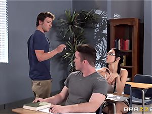 huge-chested lecturer Ava Addams is humped by her student