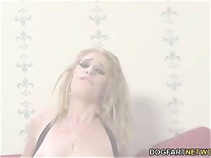 Allie James attempts ass-fuck fucky-fucky with Mandingo