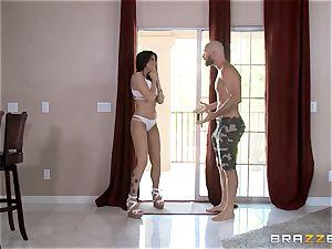 Romi Rain joins Kissa Sins to poke her dude